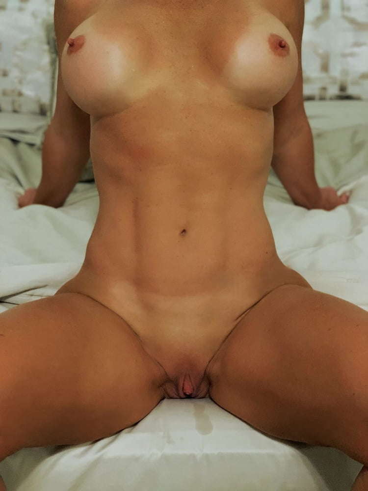 girls masterbating and fingering themselves